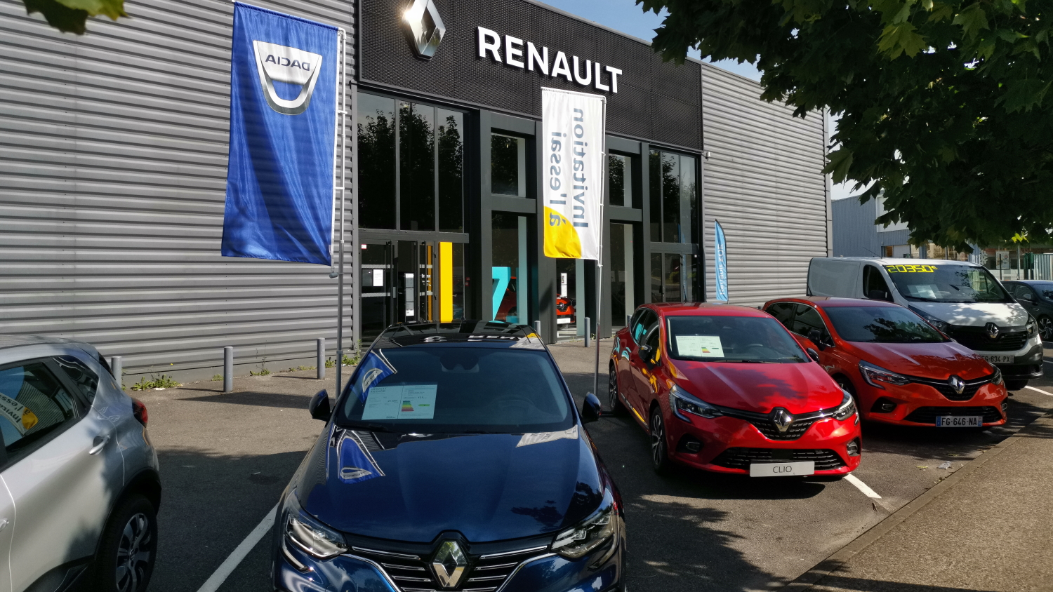 Renault Saint Brice concession Rousseau Automobile